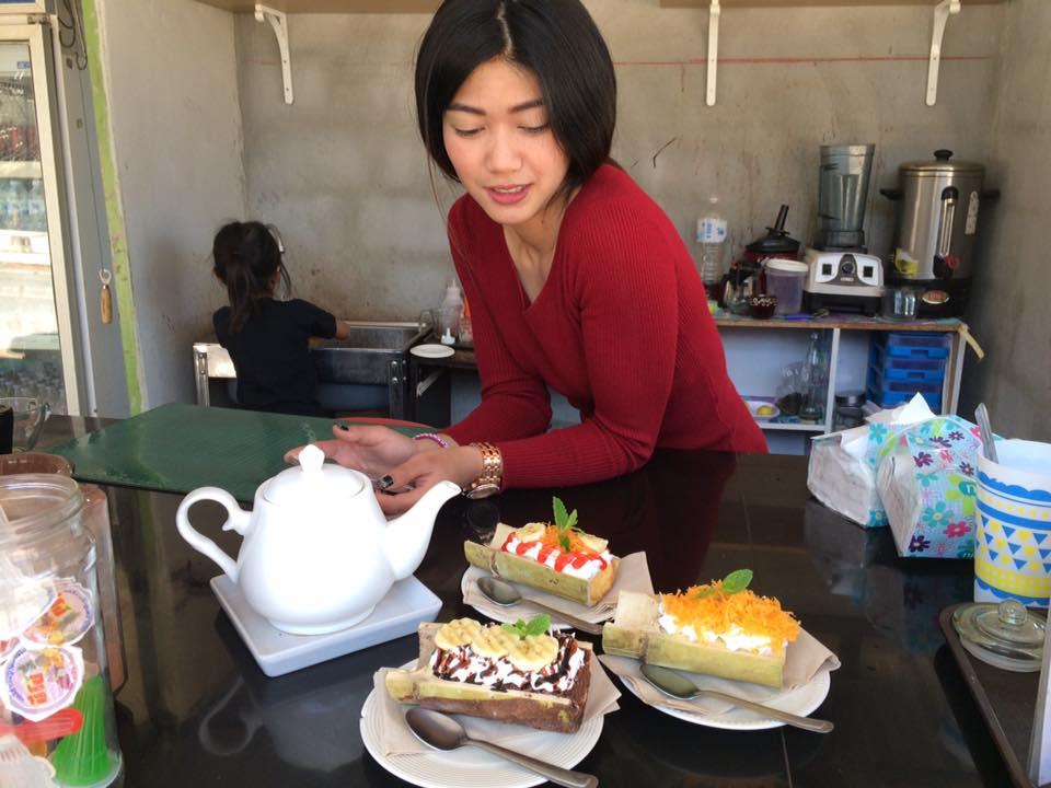เค้กบ้องไม้ไผ่ : เอาใจสายบ้อง อร่อยน่ารัก แม่ค้าหน้าหวาน ที่หนองหิน